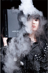 レスリー・キー 写真展「Bookish」
